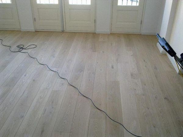 Pvc Inclusief Leggen : Aanbieding houten vloer inclusief leggen